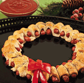 christmas-mini-sausage-wreath
